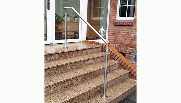 Treppenhandlauf Edelstahl - Modell freistehend abgewinkelt mit Stift