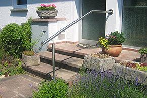 Treppenhandlauf Edelstahl - Modell Stift Wand-Treppe