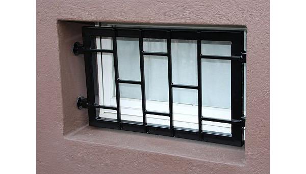 Mobiles Fenstergitter schwarz pulverbeschichtet - Modell Leiter