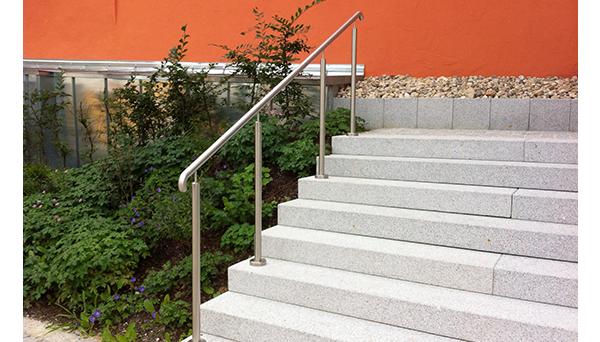 Treppenhandlauf Edelstahl, 90° Bogen nach unten - Modell freistehend