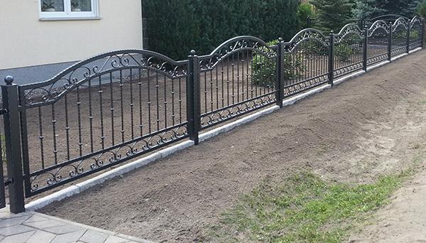 Gartenzaun verzinkt mit Pfosten, anthrazit pulverbeschichtet - Sonderanfertigung