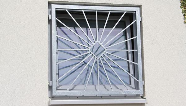 Fenstergitter verzinkt, Montage in der laibung - Modell Sonne Karo