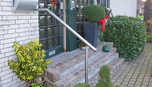 Treppenhandlauf Edelstahl - Modell mit Stift Wand-Treppe
